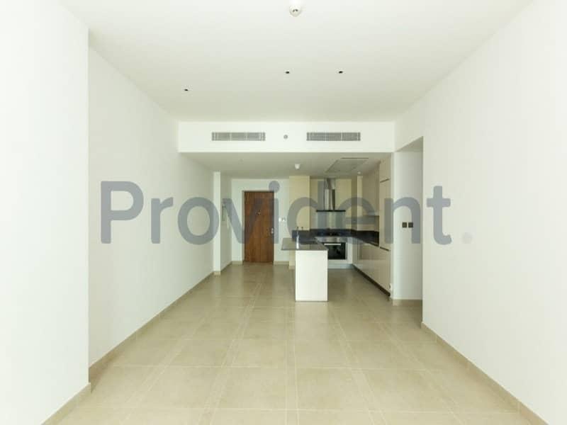 High Quality 2 BR Apartment on Mid Floor