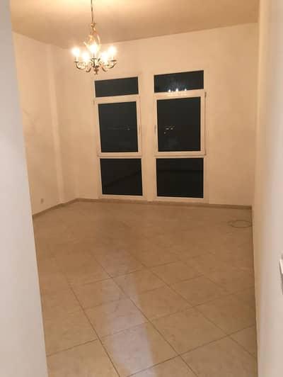 فلیٹ 2 غرفة نوم للايجار في مردف، دبي - للايجار شقه فى اب تاون مردف موقع متميز و تطل علي جهتين تتكون من 2 غرفه و صاله كبيره ومطبخ و استور
