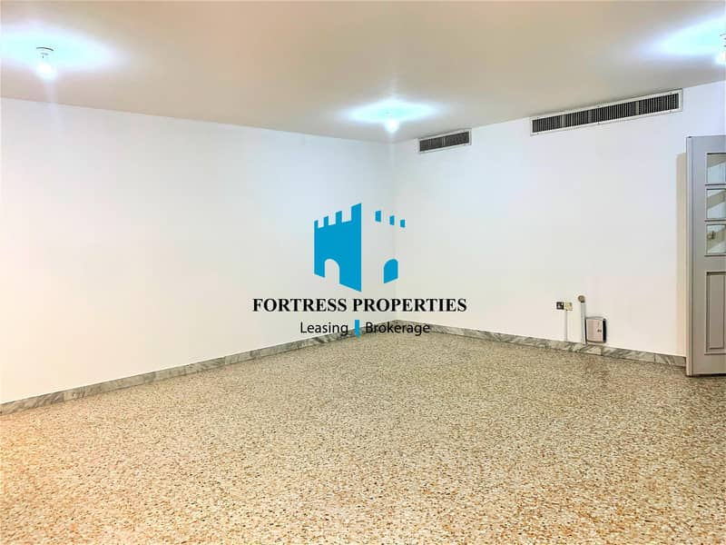 2 DAZZLING FLAT | Impeccable unit of Large 4 BHK with Maids Room .