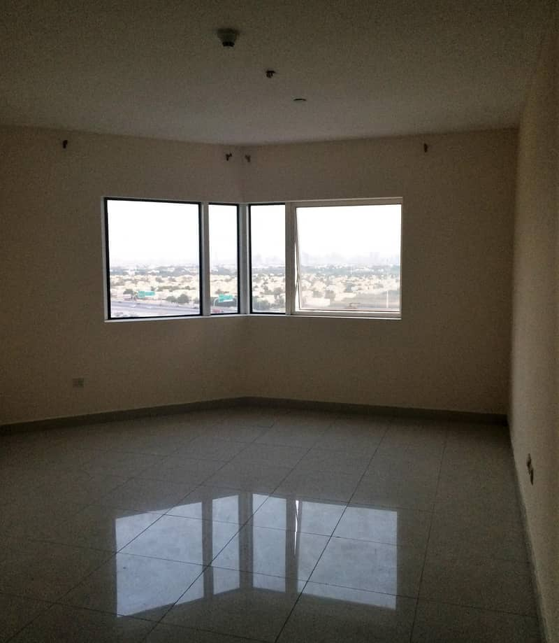 1Bedroom with Balcony Close to Damac Metro at JLT