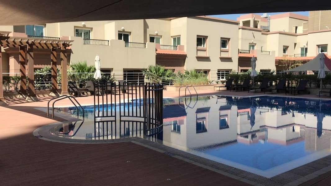 10 Huge Studio with Balcony at Imperial Res JVT