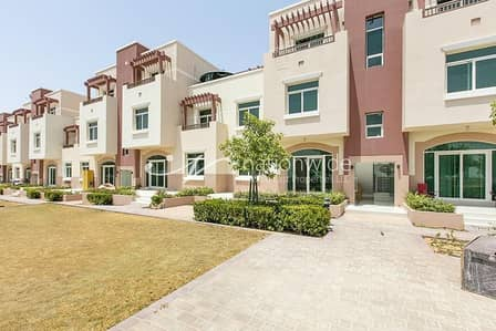 1 Bedroom Apartment for Sale in Al Ghadeer, Abu Dhabi - Contemporary Terraced Apartment w/ Garden