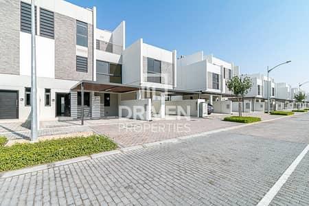 5 Bedroom Villa for Sale in Akoya Oxygen, Dubai - Vacant 5 Bedroom Villa | Excellent Location