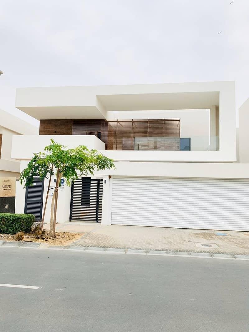 corner villa for sale in west yas