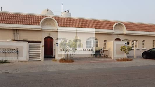 2 Bedroom Townhouse for Rent in Mirdif, Dubai - Two Bedroom Townhouse villa | Near to Spinneys
