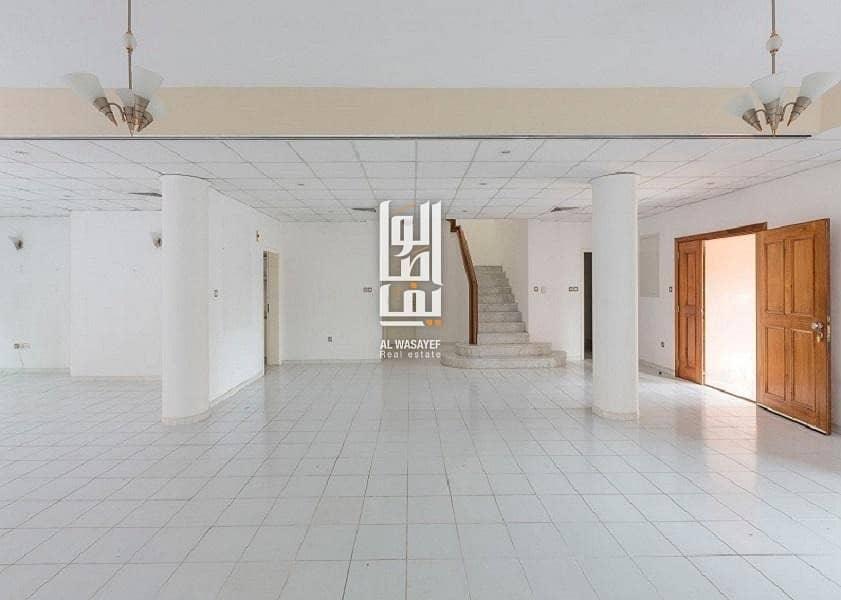 SPACIOUS 5 BED VILLA WITH GARDEN | SHARED POOL & GYM