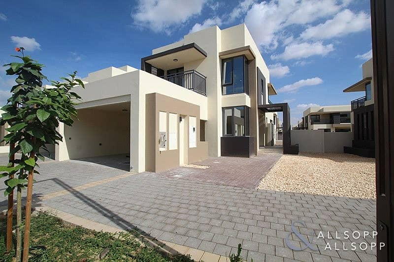 Exclusive | 5 Bedrooms | Close to Pool