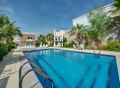 3 Bedroom Villa for Rent in Jumeirah, Dubai - 3 Bed Fully Renovated Compound Villa With Private Garden