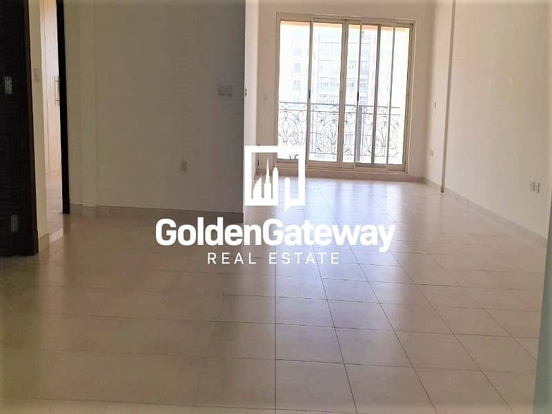 Golf View-Very Bright  2 Bedroom I Large Lay out