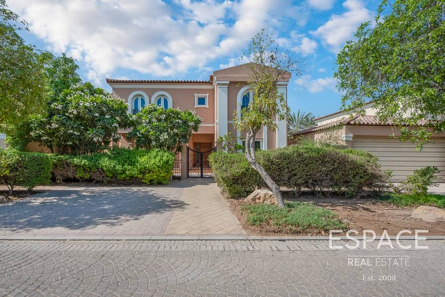 2 Fully Upgraded | Close to Pool & Park | Vacant