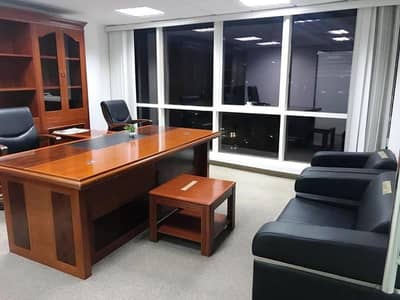 Classy Fitted Office + Furniture for reasonable Price