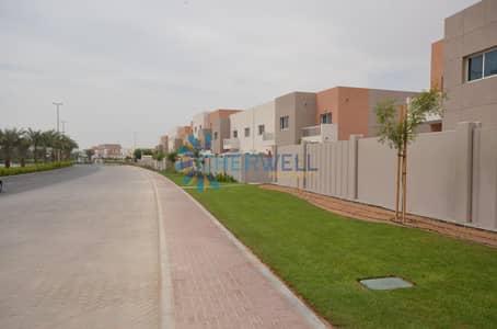 فیلا 5 غرف نوم للبيع في الريف، أبوظبي - Great Price |Private Pool and Garden |Unique And Very Upscale 5BR+Maid