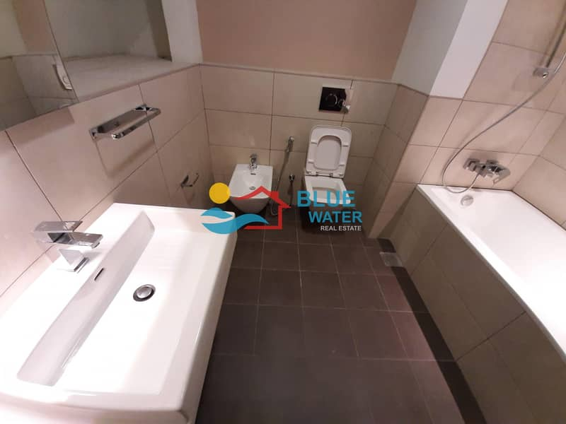 10 1 Month Free! 1 M/BR With Kitchen Appliance Pool Gym Parking