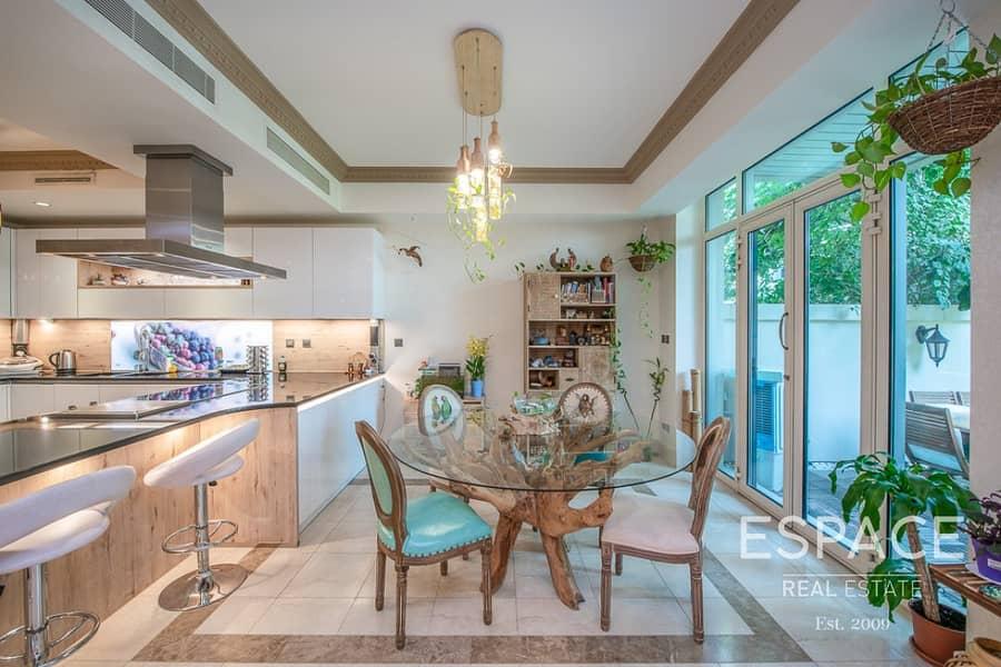2 Extended | 4 Bedrooms Villa | Fully Upgraded