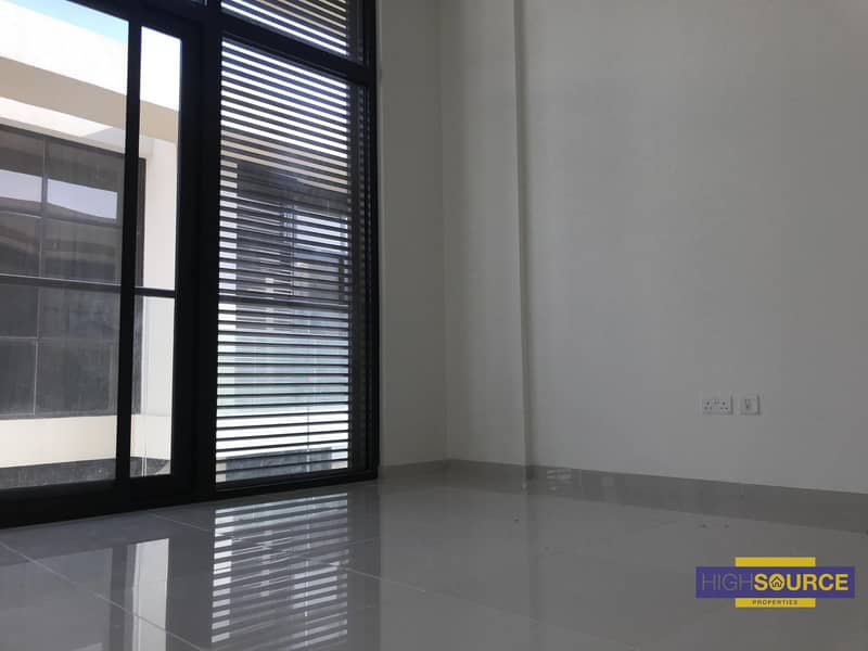3 Beds Townhouse for Rent.