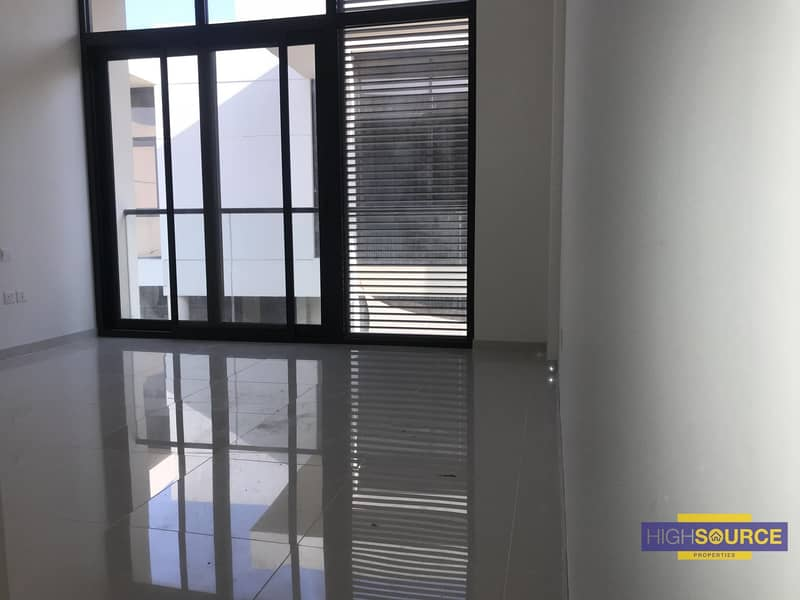 2 3 Beds Townhouse for Rent.