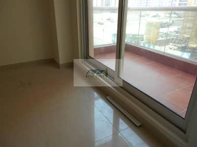 شقة 3 غرف نوم للايجار في النهدة، دبي - 3BHK LIKE BRAND NEW POND PARK VIEW SEPARETE HALL BIG KITCHEN PARKING 65K