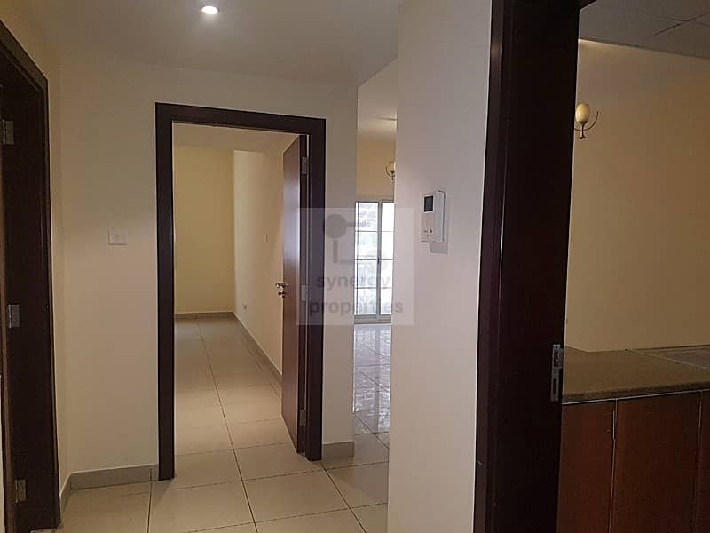 2 1 bed with balcony in cbd royal residences