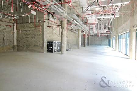 محل تجاري  للايجار في الخليج التجاري، دبي - Shell And Core | Large Retail | Near Metro
