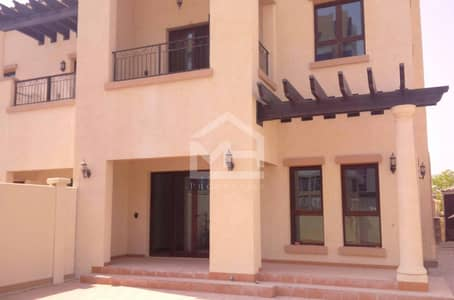 فیلا 3 غرف نوم للايجار في شارع السلام، أبوظبي - Spacious Villa in a Gated Community Inside the City