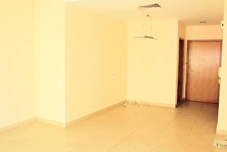 2 Bedroom Apartment for Rent in Bur Dubai, Dubai - Spacious 2B | Equipped Kitchen |Near Metro