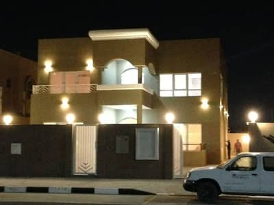 فیلا 4 غرف نوم للايجار في العزرة، الشارقة - فیلا في العزرة 4 غرف 95000 درهم - 4439284