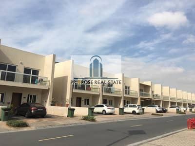 فیلا 3 غرف نوم للايجار في المدينة العالمية، دبي - Lowest Price | Multiple options