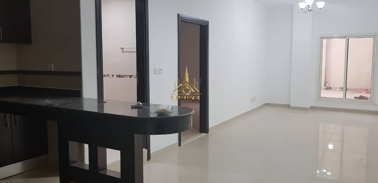 One bedroom close metro by 12 CHQ + one month free