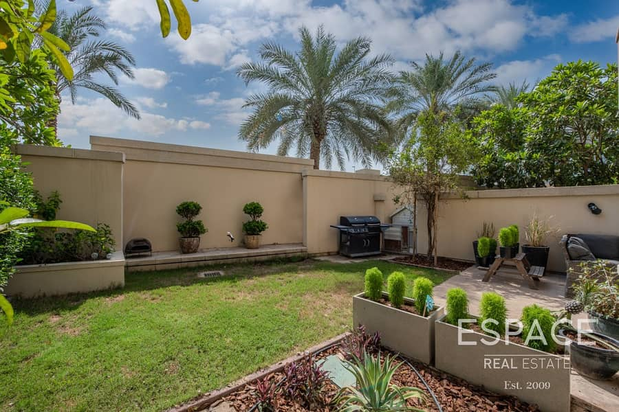 10 Exclusive | Renovated | 4 Bed Plus Study
