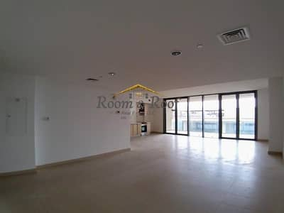 4 Bedroom Flat for Rent in Al Raha Beach, Abu Dhabi - Luxurious Duplex with Sea View