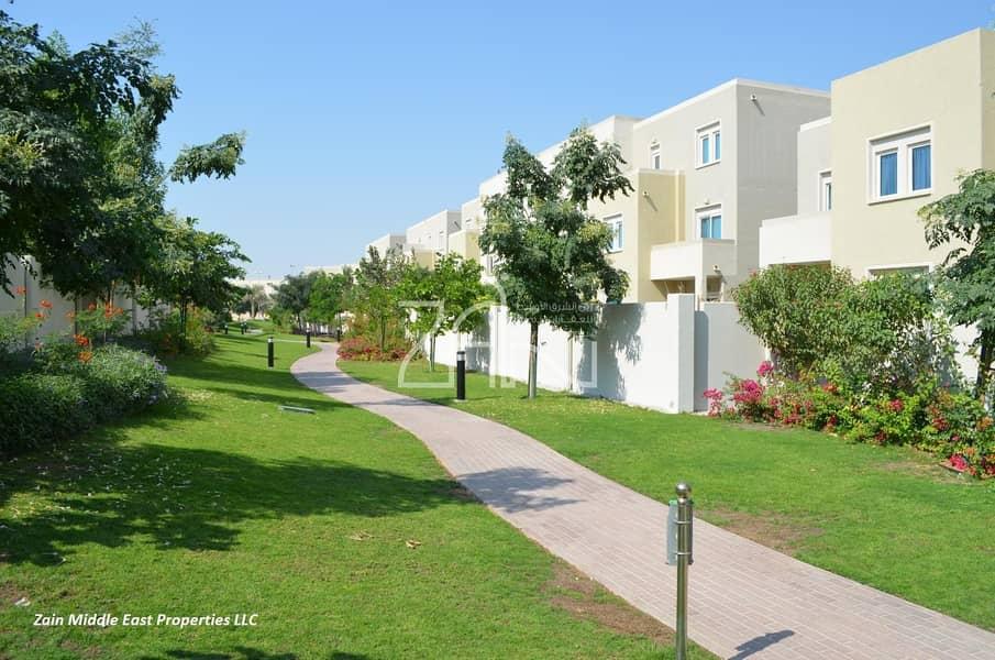 12 Single Row! 3 BR Villa with Extended Garden