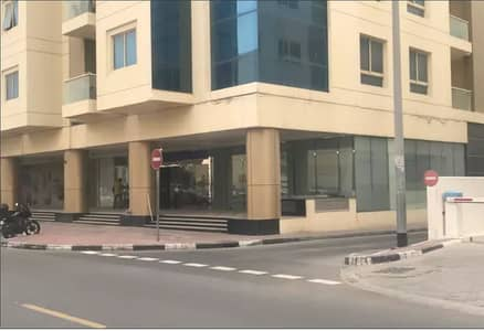 Shop for Rent in Al Karama, Dubai - Showroom for rent in Karama