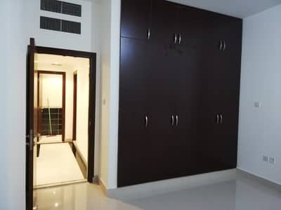 2 Bedroom Flat for Rent in Al Mushrif, Abu Dhabi - STUNNING 2 BEDROOMS APARTMENT WITH  BALCONY  CENTRAL AIRCONDITIONED  LOCATED AT DELMA STREET