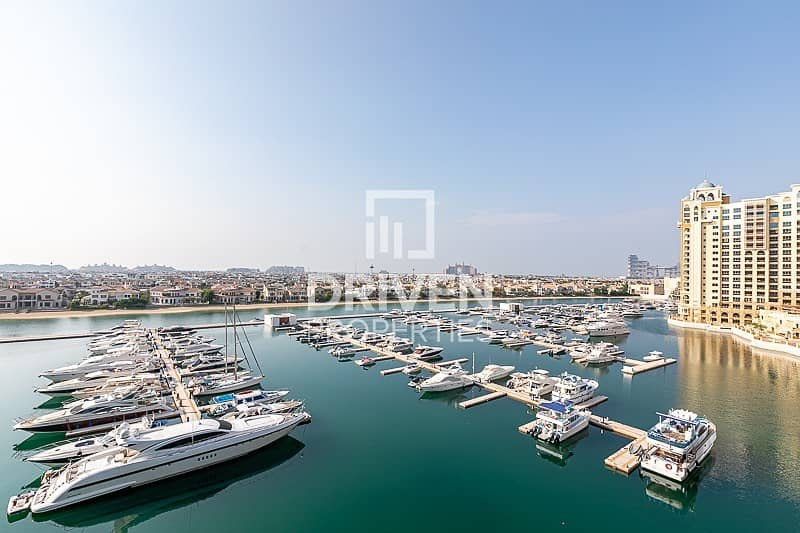 20 Luxurious Furnished Unit | Stunning View