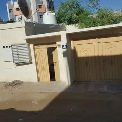 فیلا 3 غرف نوم للبيع في الراشدية، عجمان - بيت عربي للبيع نظيف تماما بعجمان موقع متميز منطقة الراشدية  السوان