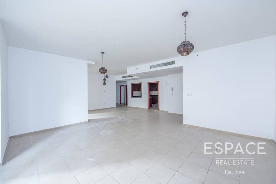 Well Priced 3 Bed in Low Floor   Vacant