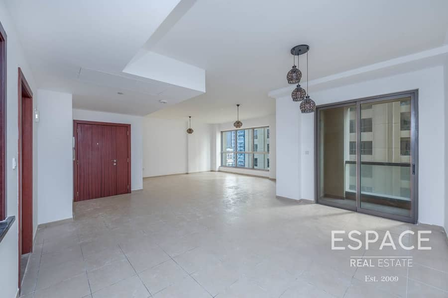 2 Well Priced 3 Bed in Low Floor   Vacant