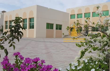 100%  sea view Villa by the ladies beach in Shalila- Bahya area -Abu Dhabi