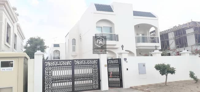 MAJESTIC FIVE BED ROOM VILLA IN JUMEIRAH 2