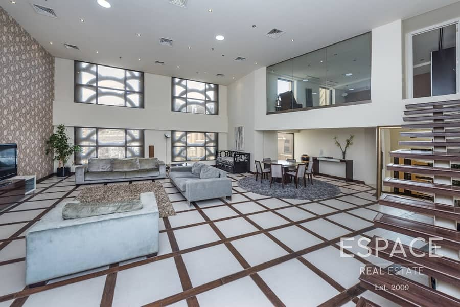 Upgraded Duplex Apartment with Marina View