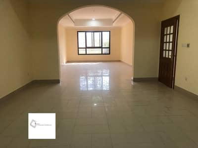 8 Bedroom Villa for Rent in Al Mushrif, Abu Dhabi - Gorgeous villa with 2 kitchens in a calm place