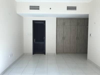 شقة في الروضة 1 غرف 65000 درهم - 4408278