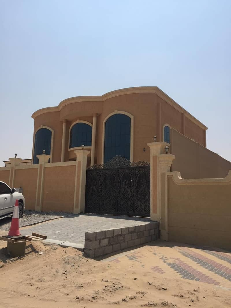 Villa for rent in Ajman, Al Raqayeb area, personal finishing, spacious area, first inhabitant with air conditioners