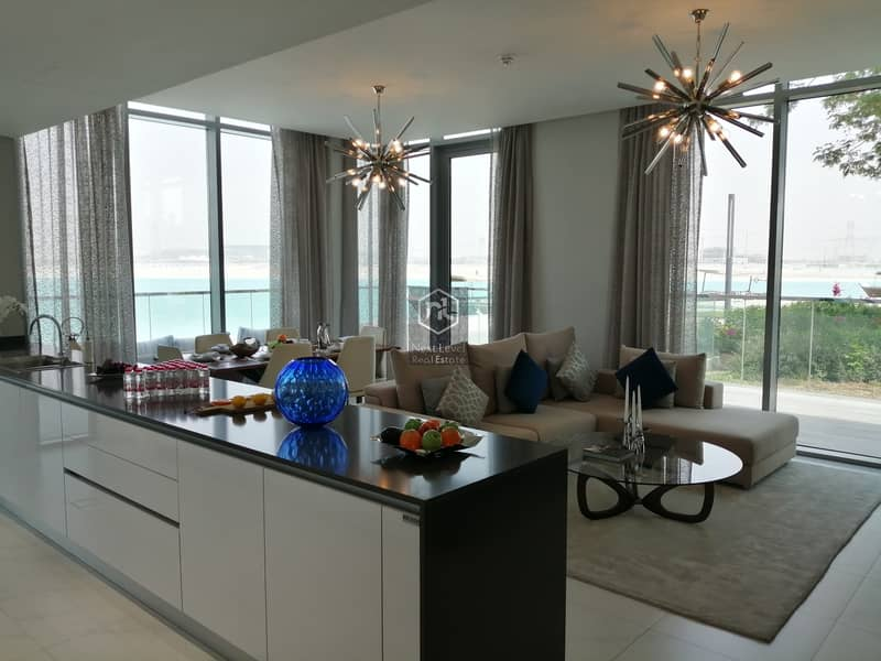 2 Three Bedroom ...Stunning.. Unique.. And Very Upscale..District 1..