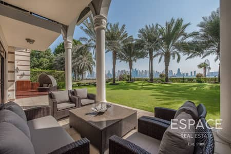 5 Bedroom Villa for Sale in Palm Jumeirah, Dubai - Royal Villa | Upgraded | 5 beds in 5 Star Hotel