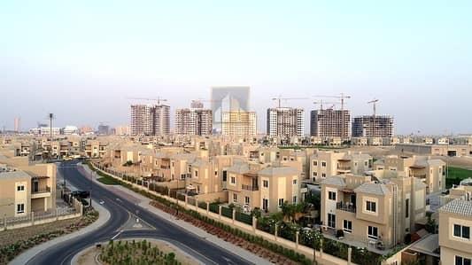 4 Bedroom Villa for Sale in Dubailand, Dubai - D Single Row 4BR Close Kitchen Partial Golf Course