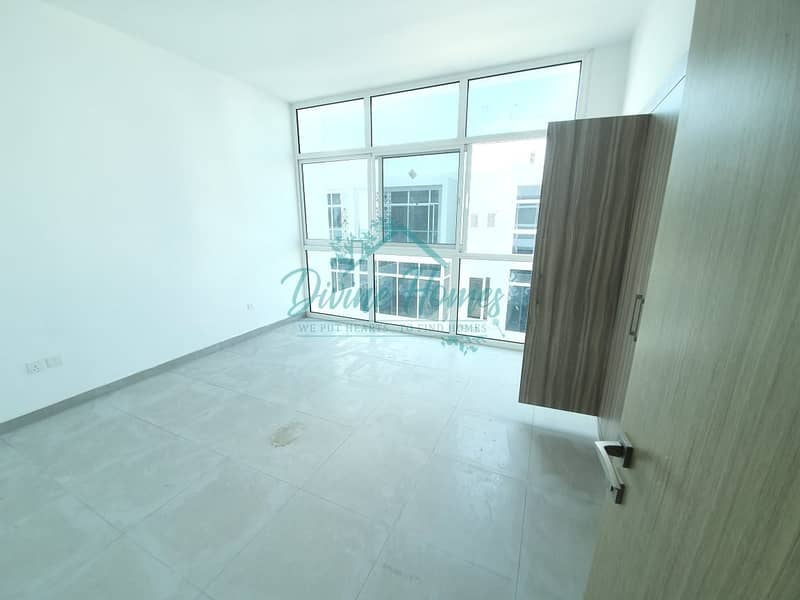 2 Desirable 3 BR+Maids Room | Middle Uni