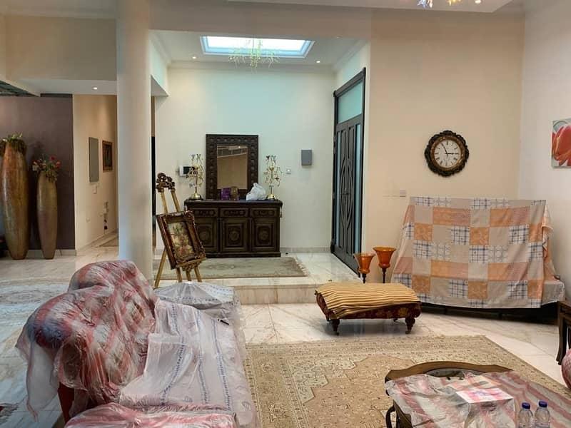 24 Huge 5 Bedroom Villa with Private Pool in Nad Al Hamar