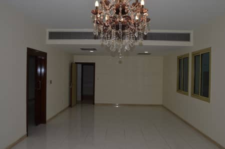 Specious 3Bed Room Apt with Balcony AC Free Plus 1month At Sheikh zaiyed Rd.
