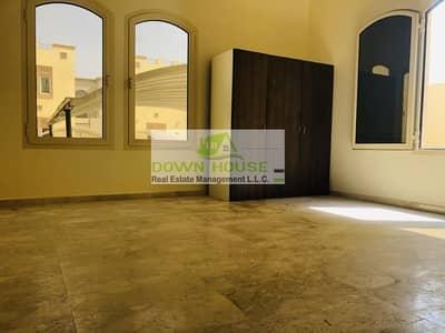 فلیٹ 1 غرفة نوم للايجار في مدينة خليفة أ، أبوظبي - Huge one bedroom hall for rent in Khalifa city A . Near Elithad plaza .
